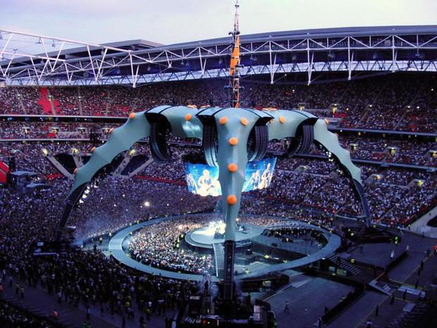 Đừng lo nghĩ về việc BTS hay Taylor Swift sold-out Wembley nữa, đây mới là chúa tể thực sự của thánh địa này! - Ảnh 4.