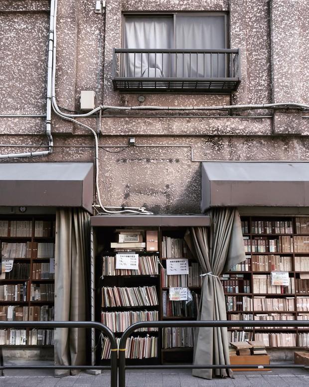 Ít ai biết giữa lòng Tokyo hoa lệ vẫn có một thư viện kiểu một nghìn chín trăm hồi đó đẹp như phim điện ảnh - Ảnh 11.