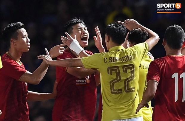 Ngôi sao Thái Lan đang thi đấu ở Nhật Bản tát vào mặt em út của tuyển Việt Nam - Ảnh 3.