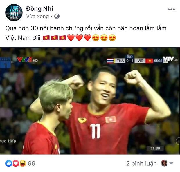Sao Vbiz vỡ oà khi Văn Đức ghi bàn phút chót, tuyển Việt Nam hạ Thái Lan ngoạn mục vào chung kết Kings Cup - Ảnh 1.