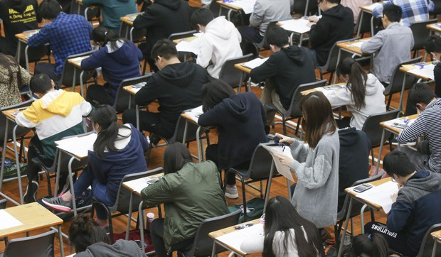 Những nơi có kỳ thi đại học khốc liệt bậc nhất Châu Á: Căng thẳng và khó nhằn khủng khiếp, số 4 có tỷ lệ tự tử hàng đầu vì quá áp lực - Ảnh 3.