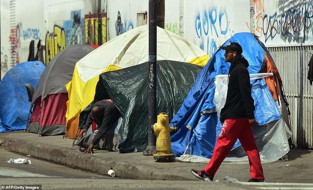 Chùm ảnh: Toàn cảnh thành phố Los Angeles hiện đại văn minh đã bị mất quyền kiểm soát vào tay... rác thải và chuột - Ảnh 11.