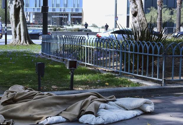 Chùm ảnh: Toàn cảnh thành phố Los Angeles hiện đại văn minh đã bị mất quyền kiểm soát vào tay... rác thải và chuột - Ảnh 7.