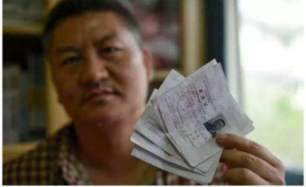 Khốc liệt như thi đại học ở Trung Quốc: Người đàn ông 52 tuổi ở Tứ Xuyên miệt mài đi thi tận 22 lần không đỗ - Ảnh 1.
