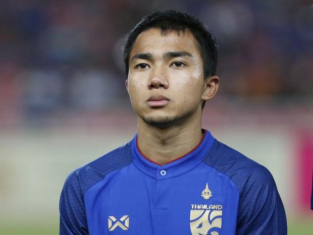 Quỳnh Anh - bạn gái Duy Mạnh vào thẳng Facebook cầu thủ Thái Lan gọi bằng thằng, dân tình nhắc: Coi chừng ảnh hưởng đội mình đấy! - Ảnh 2.