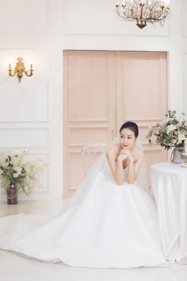 MC Phí Linh đẹp nền nã trong ngày thử váy cưới trước khi lên xe hoa về nhà chồng - Ảnh 5.