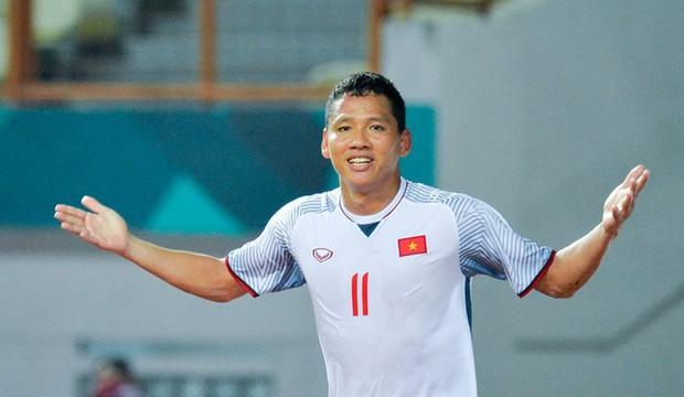 Cầu thủ tuyển Việt Nam và đồng đội luyện skill chụp ảnh như dàn nam thần Hàn: 10 điểm thần thái, 9 điểm đẹp trai! - Ảnh 14.