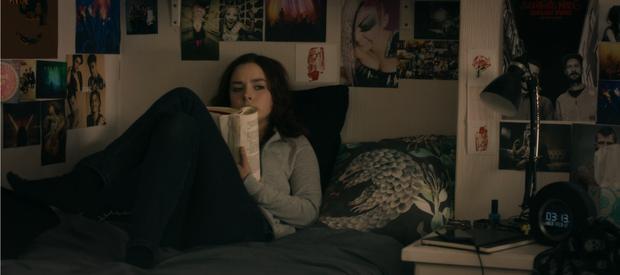 """Màn lấn sân Netflix của Miley Cyrus ở series đình đám """"Black Mirror"""": Lẽ ra đừng hồi sinh Hannah Montana! - Ảnh 12."""