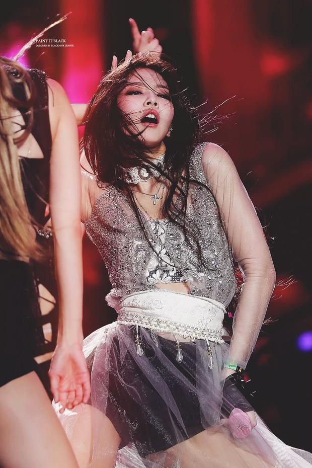 Vắng Jennie giữa chừng, các thành viên BLACKPINK đã chữa cháy loạt sân khấu như thế nào? - Ảnh 1.