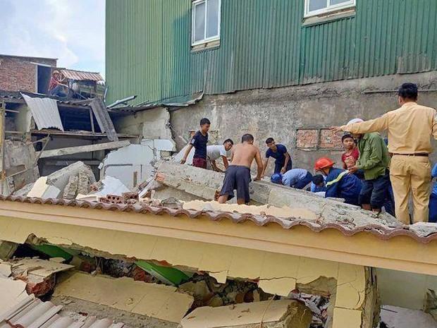 Hiện trường vụ sập nhà tại Hà Tĩnh vùi lấp người bên trong - Ảnh 2.
