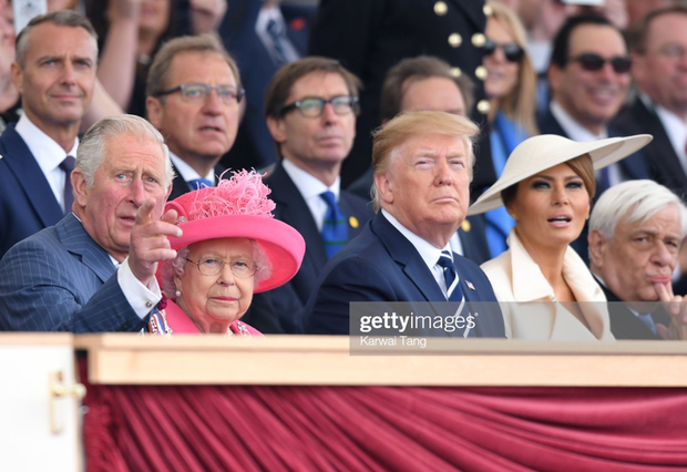 """Vừa được khen mặc đẹp, bà Melania Trump lại tụt điểm thời trang vì chiếc """"mũ đĩa bay"""" - Ảnh 4."""