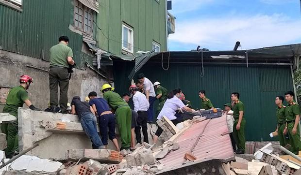 Hiện trường vụ sập nhà tại Hà Tĩnh vùi lấp người bên trong - Ảnh 8.