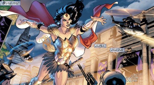 DC tung tạo hình mới của Wonder Woman: Kẻ khen chị đại thần thái, người chê chị mượn đồ của anh Thuỷ Điện? - Ảnh 3.
