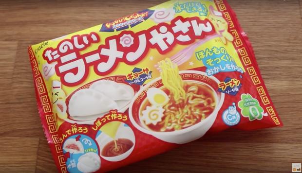 Kẹo ramen kì lạ bán chạy ở Nhật Bản khiến nhân sinh quan về mì gói sụp đổ - Ảnh 1.