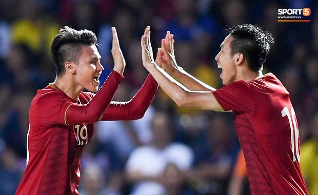 Lịch sử: Dưới bàn tay của thầy Park, tuyển Việt Nam đạt vị trí cao chưa từng có tại BXH FIFA trong vòng 15 năm - Ảnh 1.