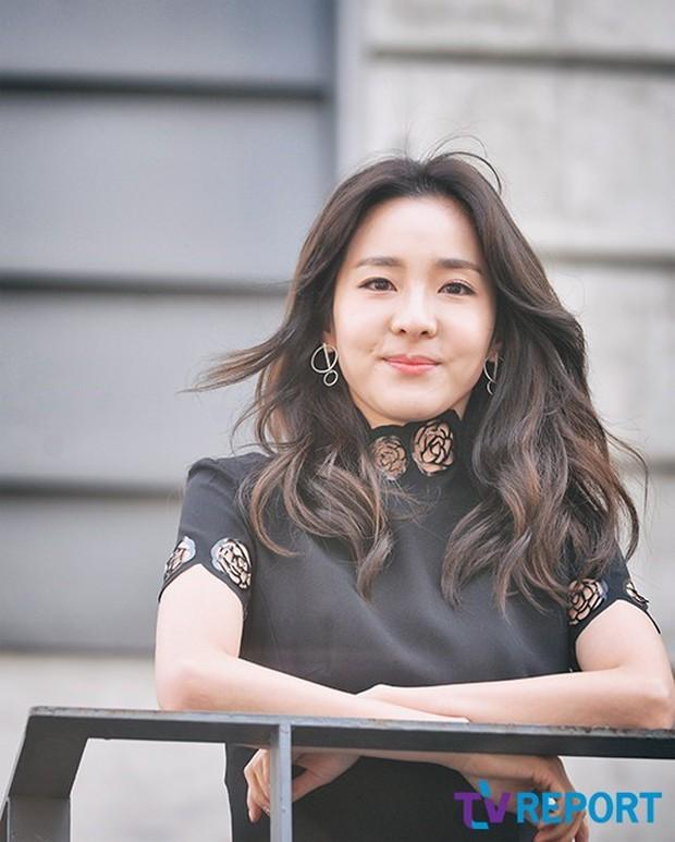 Nữ thần YG Dara lần đầu hé lộ chuyện tình cảm quá khứ và cách hẹn hò bí mật giữa lịch trình không thở nổi - Ảnh 1.