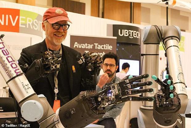 Jeff Bezos khoe cánh tay robot đủ tinh tế để chơi rubik: Tương lai ơi chúng mình đến đây! - Ảnh 4.