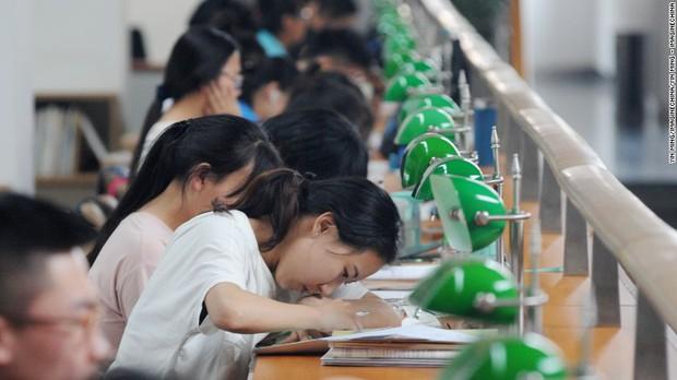 12 câu hỏi cho thấy độ khó điên đảo của đề thi Gaokao mà 10 triệu sĩ tử Trung Quốc phải trải qua hôm nay - Ảnh 4.