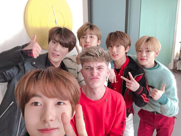 1 ngày xui cho các nhóm nhỏ của NCT: Người thua cúp trước Lee Hi, kẻ bị tố mượn ý tưởng MV của BTS - Ảnh 5.