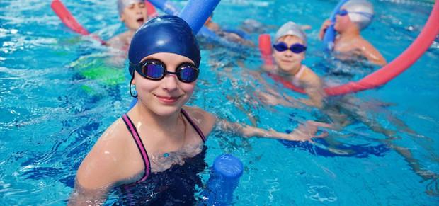 Nguy cơ mắc căn bệnh viêm mắt này rất cao khi đi bơi trong mùa hè, ai cũng cần lưu ý - Ảnh 5.