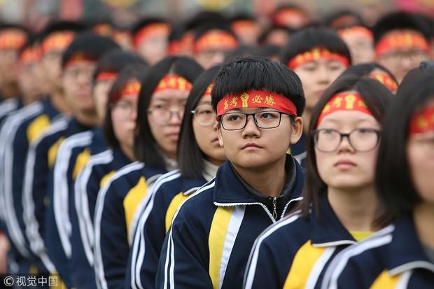 12 câu hỏi cho thấy độ khó điên đảo của đề thi Gaokao mà 10 triệu sĩ tử Trung Quốc phải trải qua hôm nay - Ảnh 8.