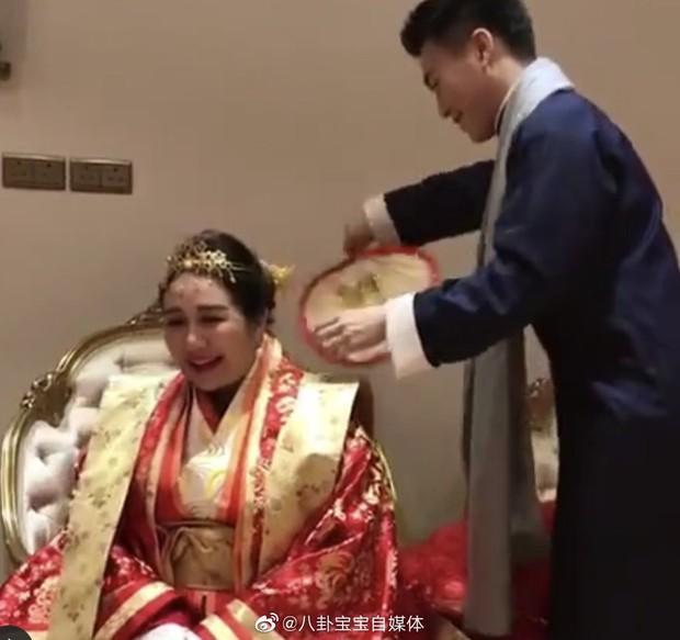 Choáng toàn tập với sính lễ vàng ròng la liệt do rể xịn Harvard tặng ái nữ trùm sòng bạc Macau - Ảnh 1.