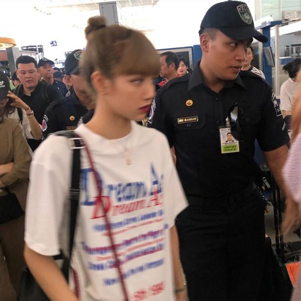 BLACKPINK lộ diện ở sân bay sau sự cố liên hoàn: Jennie đeo kính hằm hằm, các thành viên có biểu hiện đáng chú ý - Ảnh 5.