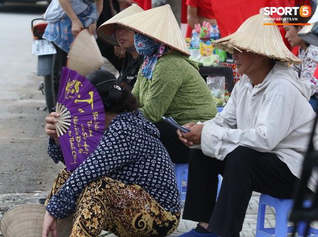 Fangirl Phú Thọ: Bùi Tiến Dũng là chân lý, Quang Hải và Đức Chinh có hay không chẳng quan trọng - Ảnh 6.