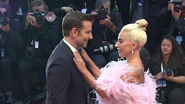Tình yêu không có lỗi, lỗi ở ánh mắt Lady Gaga trao Bradley Cooper trong A Star Is Born quá đỗi gian tình - Ảnh 20.