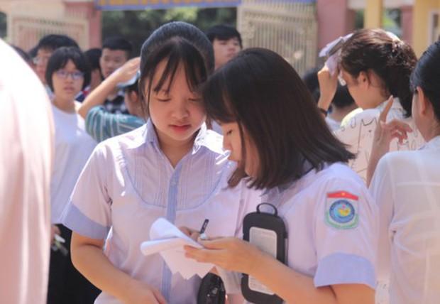 Cậu bé Sơn La đạp xe 180km thăm em vào đề thi Toán vào 10 Nghệ An - Ảnh 2.