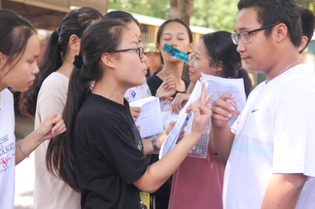 Cậu bé Sơn La đạp xe 180km thăm em vào đề thi Toán vào 10 Nghệ An - Ảnh 3.