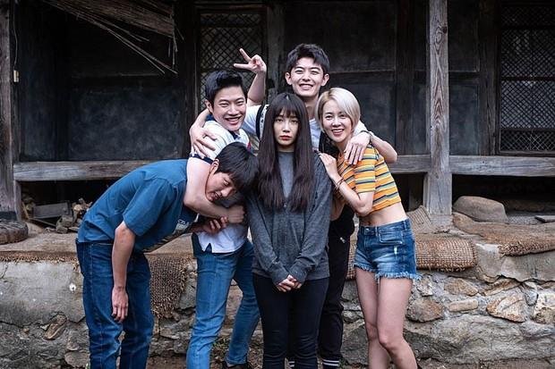 Phim kinh dị Hàn Tần Số Chết bị cấm chiếu tại Việt Nam - Ảnh 6.