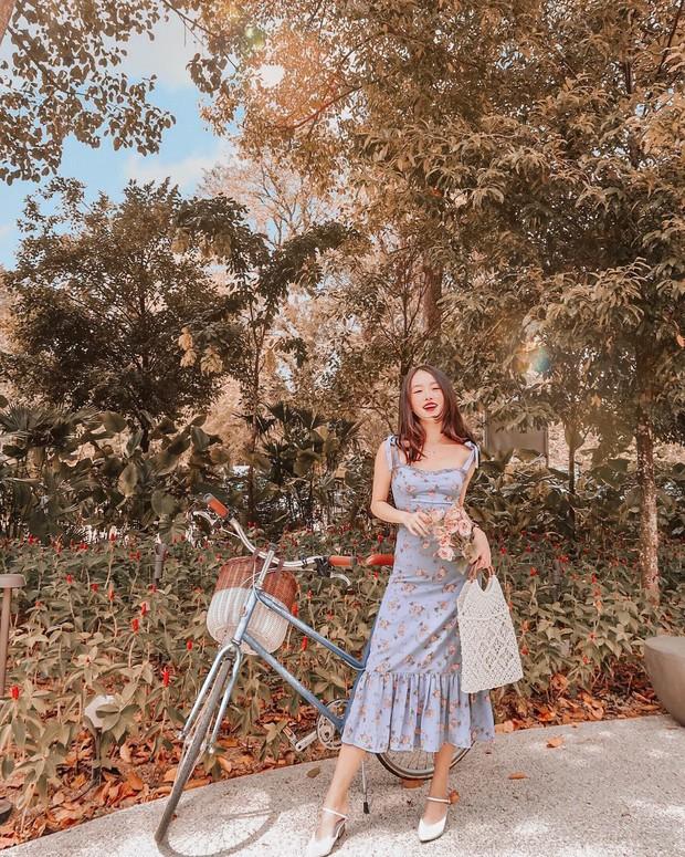 Váy hoa: item phủ sóng dày đặc mỗi mùa hè và 3 kiểu xinh đến nỗi bạn muốn rinh về hết cho tủ đồ - Ảnh 11.