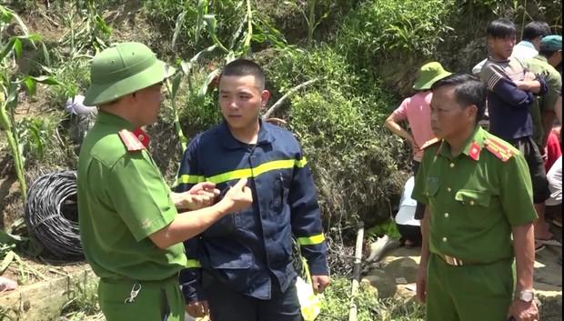 Cận cảnh hiện trường giải cứu nạn nhân mắc kẹt trong hang đá ở Lào Cai - Ảnh 4.