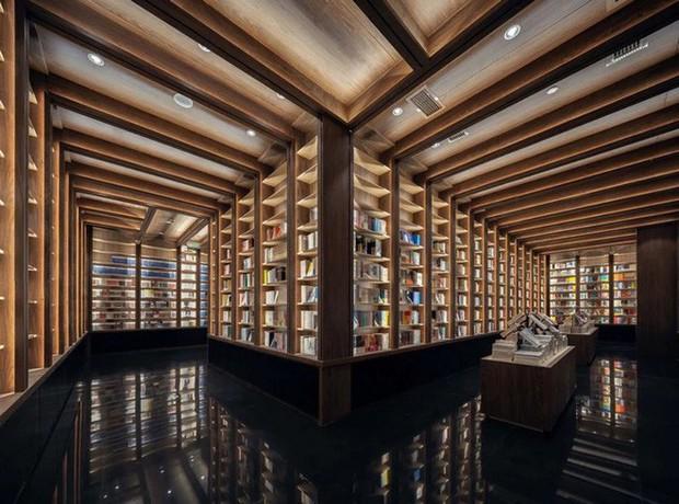 Cách bài trí gây ảo giác của nhà sách Trung Quốc khiến du khách lú lẫn như lạc vào mê cung - Ảnh 6.