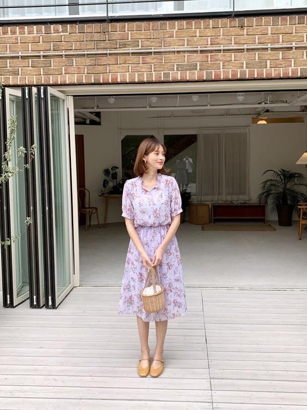 Váy hoa: item phủ sóng dày đặc mỗi mùa hè và 3 kiểu xinh đến nỗi bạn muốn rinh về hết cho tủ đồ - Ảnh 7.