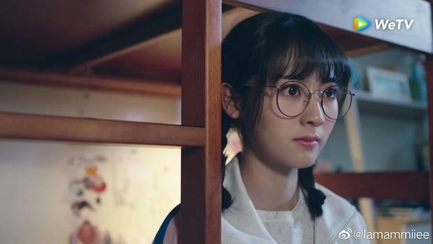 Hình Phi lại yêu chàng Lớp Trưởng Điện Hạ họ Cố, netizen tự hỏi: Có được cưng hơn Cố Vị Dịch hông ta? - Ảnh 10.