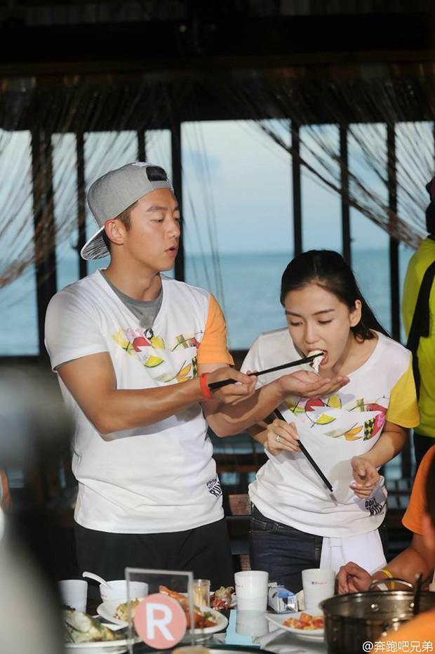 Cứ ngỡ Friday Couple trở lại Running Man Trung Quốc, không ngờ Trịnh Khải lại chơi ác với Angela Baby - Ảnh 3.