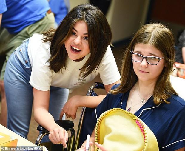 Selena Gomez xinh, trẻ vẫn không gây bất ngờ bằng body thon thả của mỹ nhân béo đẹp nhất Hollywood một thời - Ảnh 5.