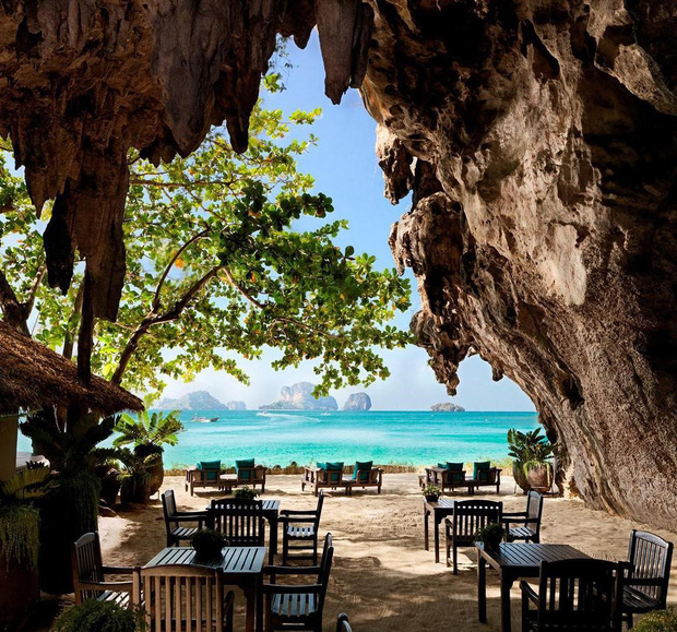 Du lịch qua màn ảnh nhỏ với loạt resort và khách sạn đỉnh nhất thế giới: Trên đời này hoá ra có nhiều nơi kì diệu đến vậy!  - Ảnh 1.