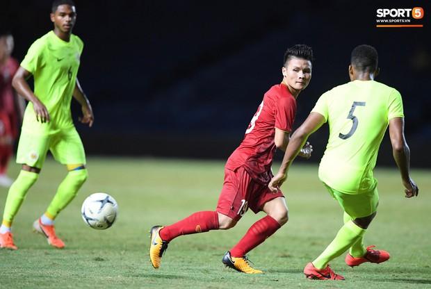 Bộ ba của Hà Nội FC phối hợp cực đẹp, Đức Huy ghi bàn đầy cảm xúc cho ĐT Việt Nam - Ảnh 2.