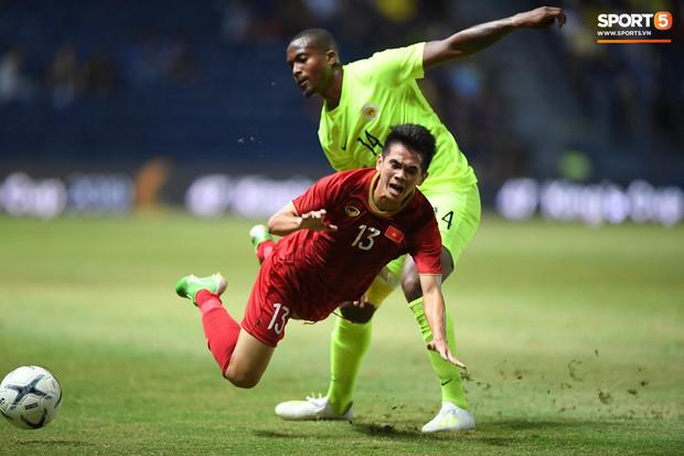 Bộ ba của Hà Nội FC phối hợp cực đẹp, Đức Huy ghi bàn đầy cảm xúc cho ĐT Việt Nam - Ảnh 8.