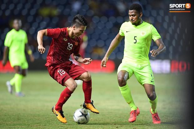 Bộ ba của Hà Nội FC phối hợp cực đẹp, Đức Huy ghi bàn đầy cảm xúc cho ĐT Việt Nam - Ảnh 7.
