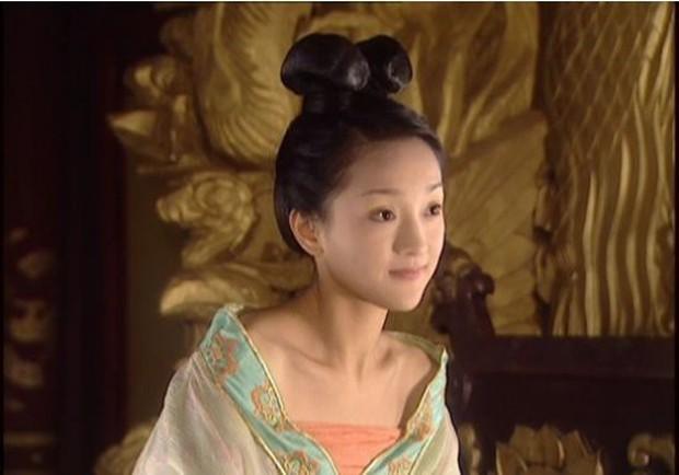 Ai đòi cắt nghĩa diễn xuất, mời xem ngay 8 phim đỉnh cao của chị đại Châu Tấn: Số 4 đi vào huyền thoại - Ảnh 3.