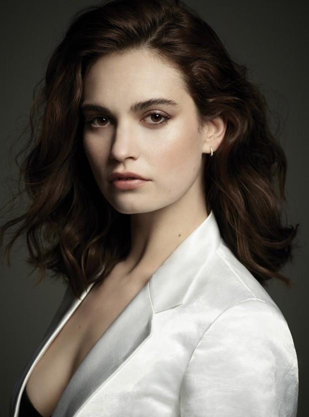 Nhan sắc 4 nàng công chúa Disney trong phim và đời thực: Emma Watson gây thất vọng giữa dàn ngọc quý đẹp lạ - Ảnh 5.