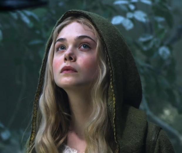 Nhan sắc 4 nàng công chúa Disney trong phim và đời thực: Emma Watson gây thất vọng giữa dàn ngọc quý đẹp lạ - Ảnh 15.