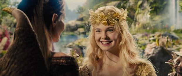Nhan sắc 4 nàng công chúa Disney trong phim và đời thực: Emma Watson gây thất vọng giữa dàn ngọc quý đẹp lạ - Ảnh 16.