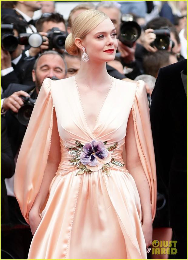 Nhan sắc 4 nàng công chúa Disney trong phim và đời thực: Emma Watson gây thất vọng giữa dàn ngọc quý đẹp lạ - Ảnh 20.