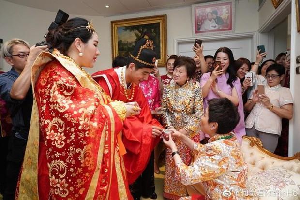 Choáng với sính lễ toàn vàng ròng trong đám cưới con gái 'vua sòng bạc Macau' - Ảnh 3.