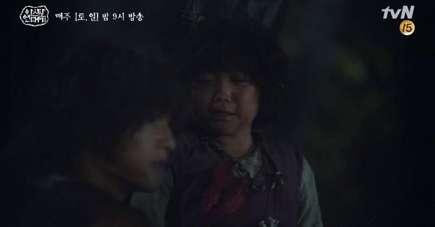 Song Joong Ki liều mình chui vào hang cọp cứu crush trong tập 3 Niên Sử Kí Arthdal - Ảnh 12.